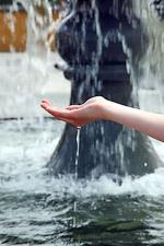 lrg-3383-hand-springbrunnen
